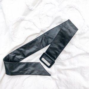 Vintage 80s Black Leather Adjust Statement Belt